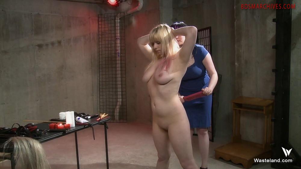Film femdom Sweet Show